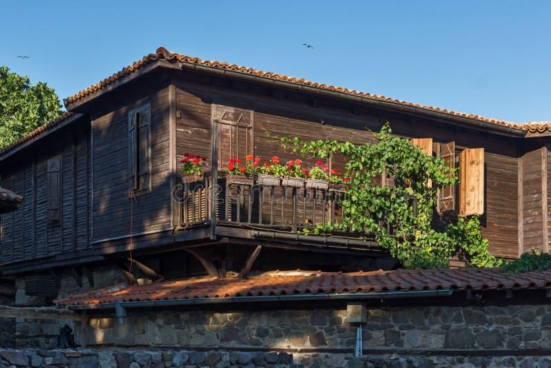 Деревянный старый дом в городке Sozopol, Болгарии стоковые изображения rf
