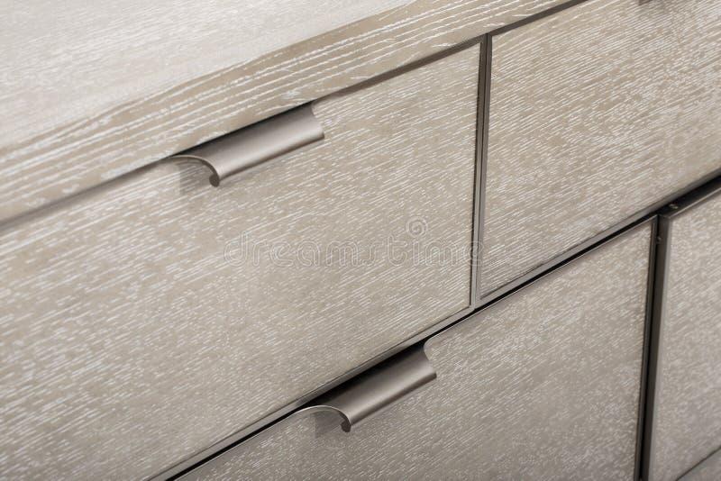 Деревянный стол изолированный на белой предпосылке - изображении стоковое фото