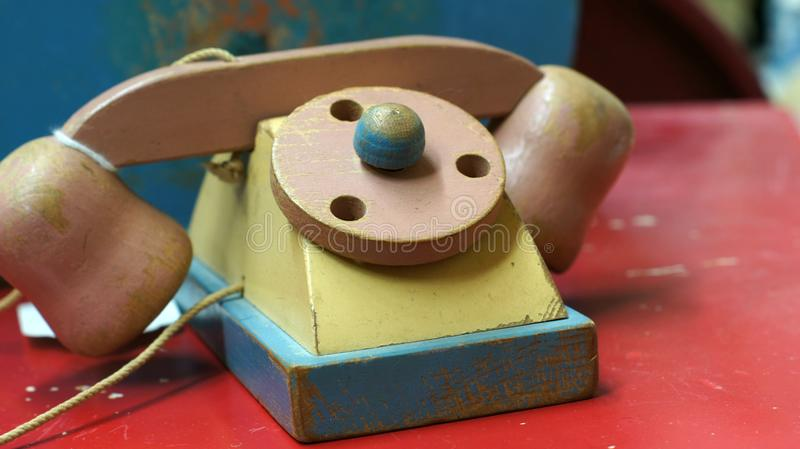 Деревянный телефон игрушки стоковые фотографии rf
