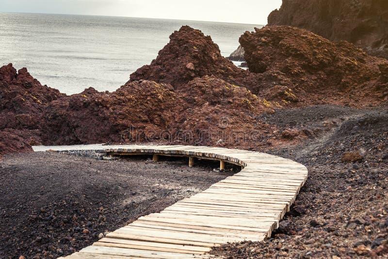 Деревянный footbridge Punta de Teno стоковая фотография