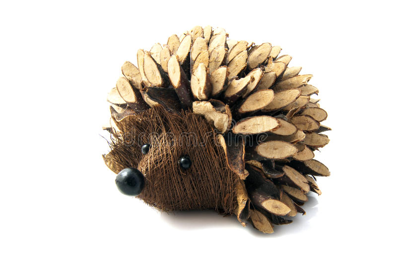 Деревянный handmade hedgehog стоковые изображения rf