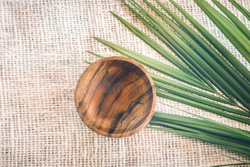 Деревянный tableware Чисто древесина teak Dinnerware, kitchenware от Индонезии стоковые фотографии rf