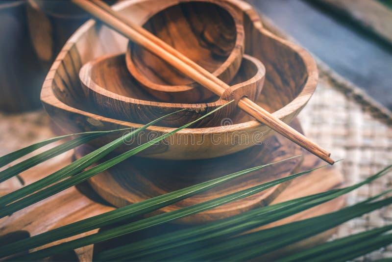 Деревянный tableware Чисто древесина teak Dinnerware, kitchenware от Индонезии стоковое фото