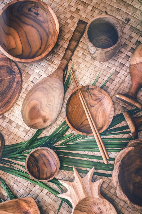 Деревянный tableware Чисто древесина teak Dinnerware, kitchenware от Индонезии стоковое изображение rf