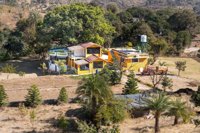 Держатель Abu/India-12 02 2019: Красивый дом в abu держателя стоковое изображение rf