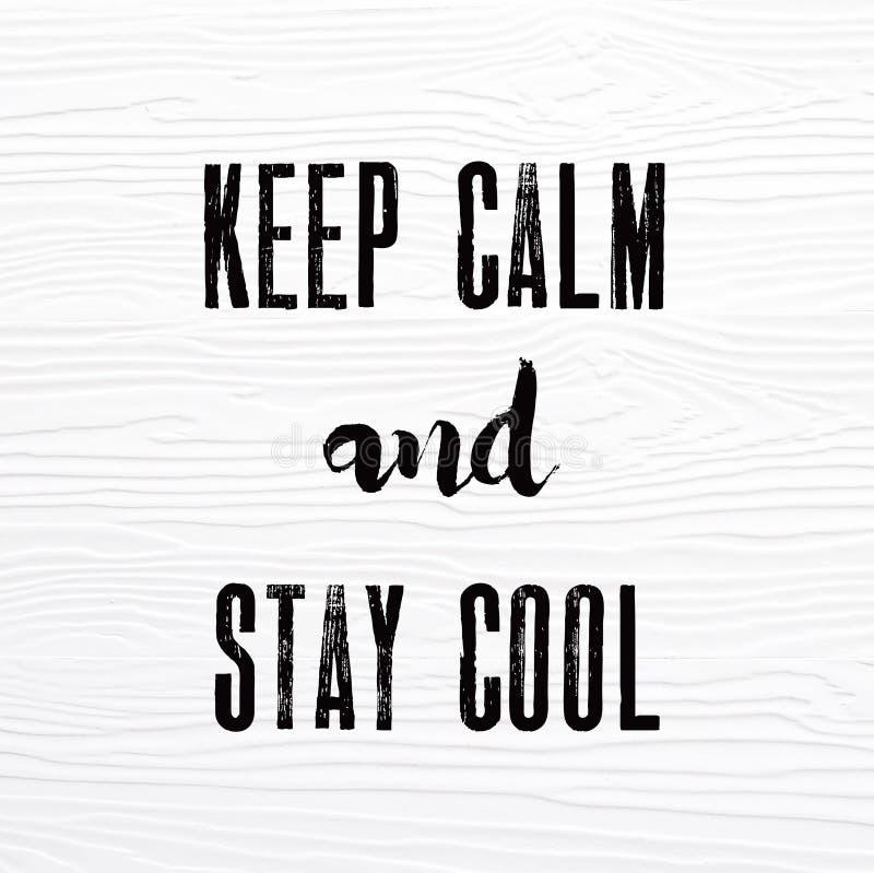 Держите затишье и оставайтесь холодными словами на белой винтажной деревянной доске, quo стоковая фотография rf