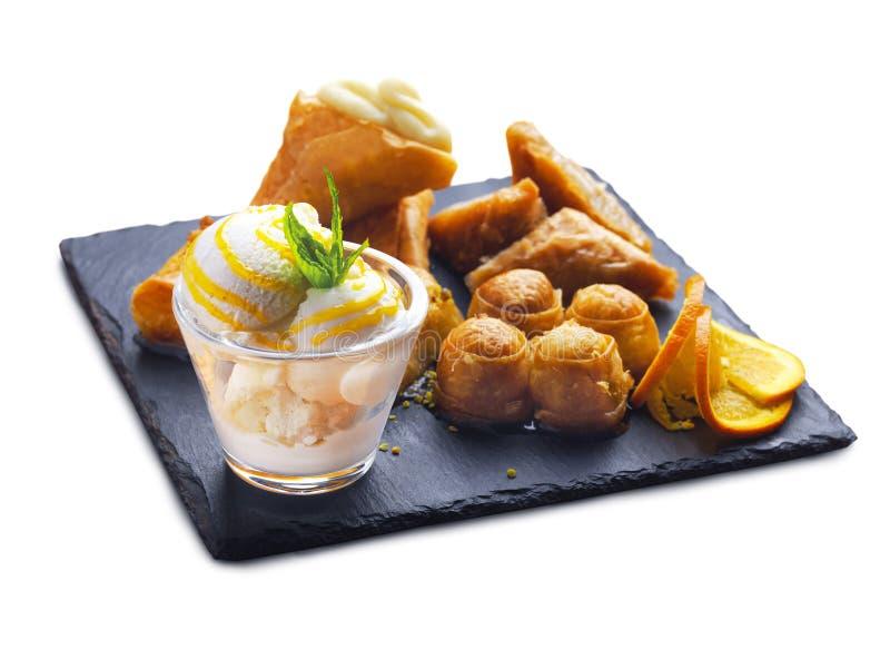 Десерты и мороженое сиропа стоковые фотографии rf
