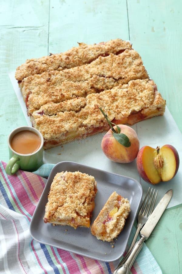 Десерты персика сделали со свежими вкусными персиками стоковое изображение