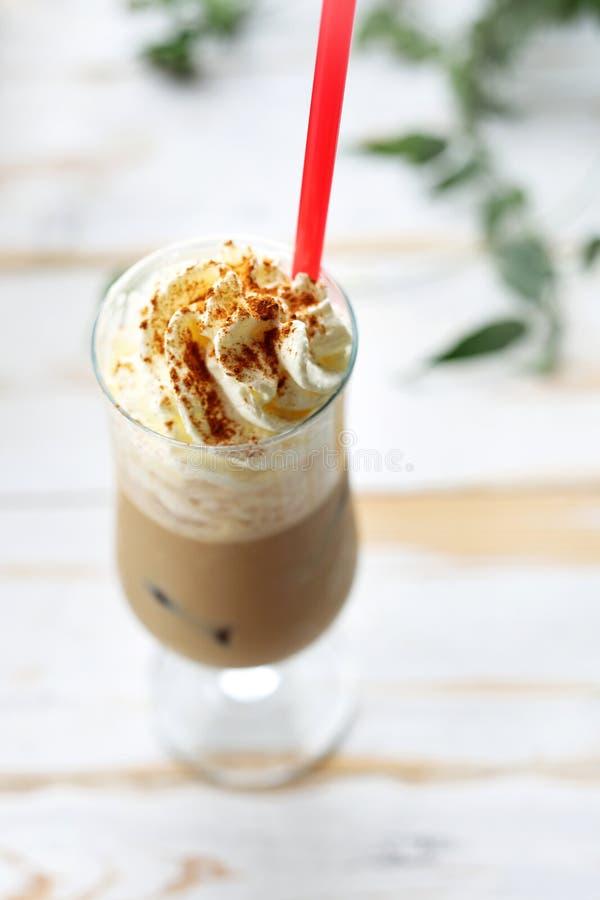 Десерт кофе Кофе со льдом с взбитой сливк стоковое изображение