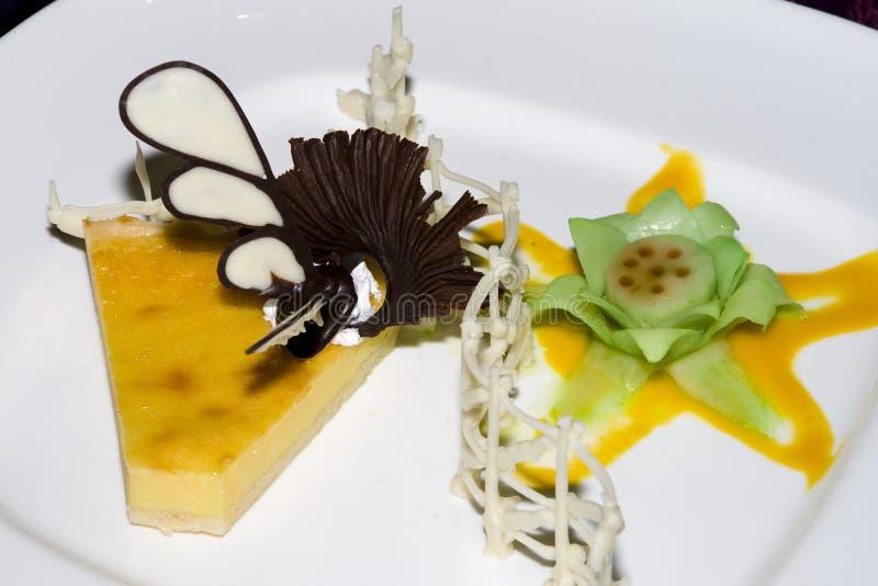 Download Десерт на плите стоковое изображение. изображение насчитывающей соус - 6851969