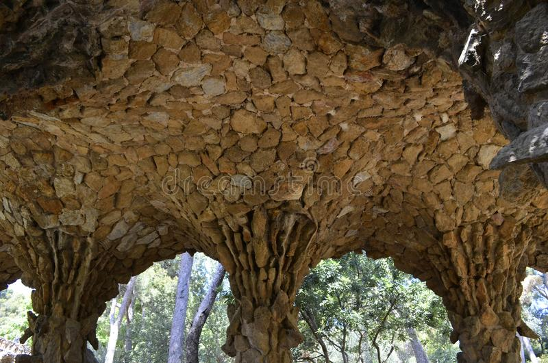 Детализированный крупный план взгляда парка Guell Antoni Gaudi s, Барселоны, Испании стоковая фотография