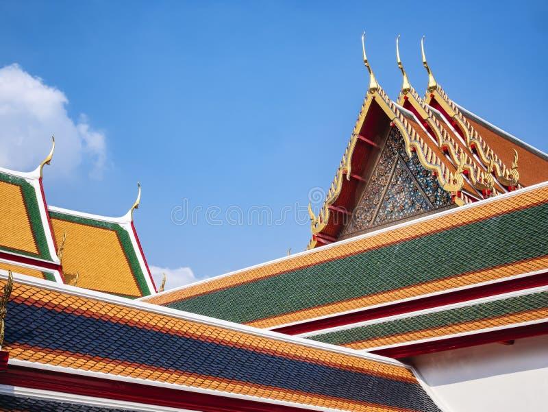 Детали архитектуры искусства виска pho Wat ориентира Бангкока черепиц стоковое изображение