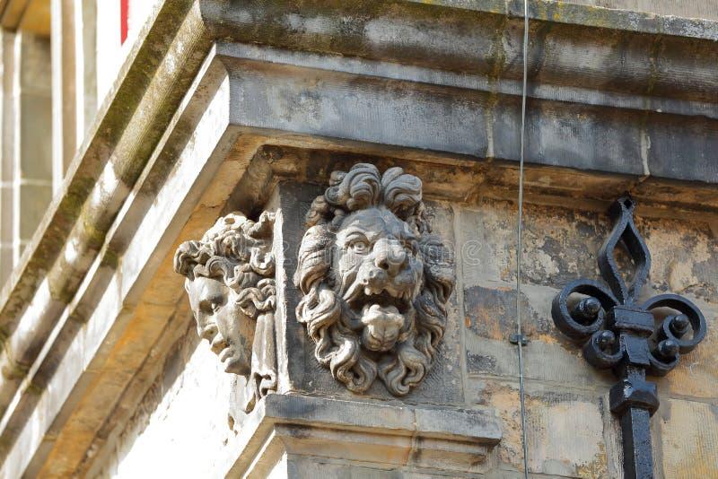 Детали внешнего фасада ратуши отстраиванной заново в 1629 в Делфте стоковое фото rf