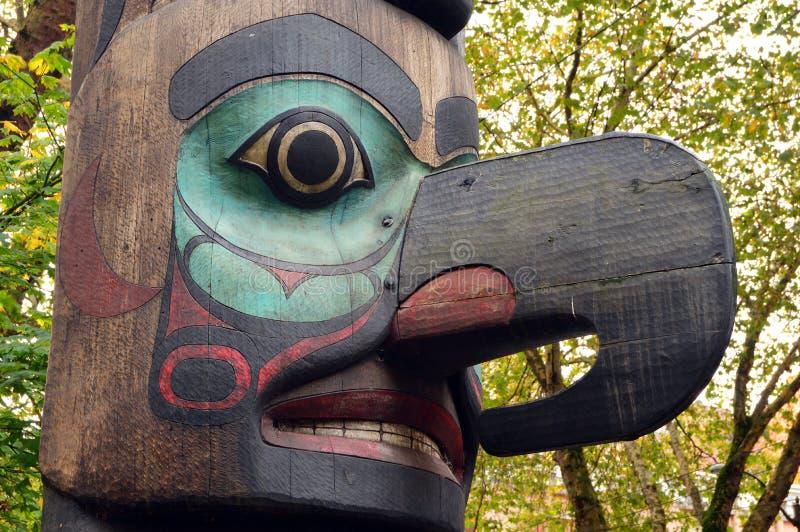 Детали деревянного тотемного столба стоковая фотография rf
