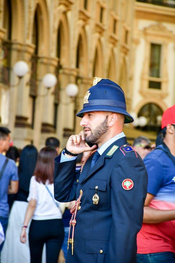 Детали Италии Красивый итальянский полицейский стоковые изображения