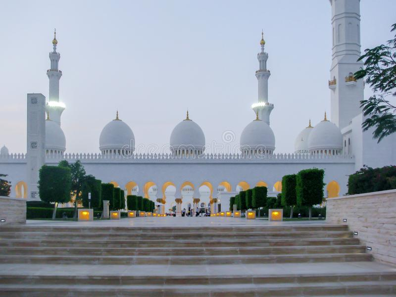 Детали и архитектура шейха Zayed Мечети Абу-Даби красивые стоковое изображение