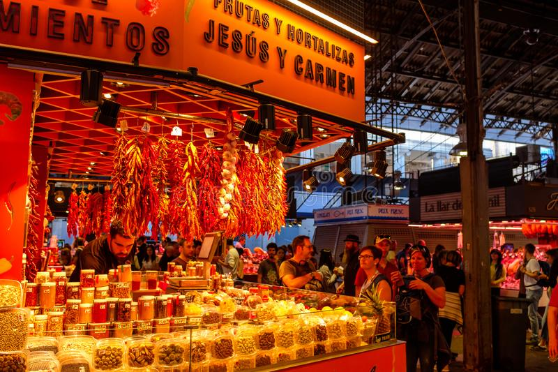 Детали на продаже на Mercado de Ла Boqueria стоковое изображение