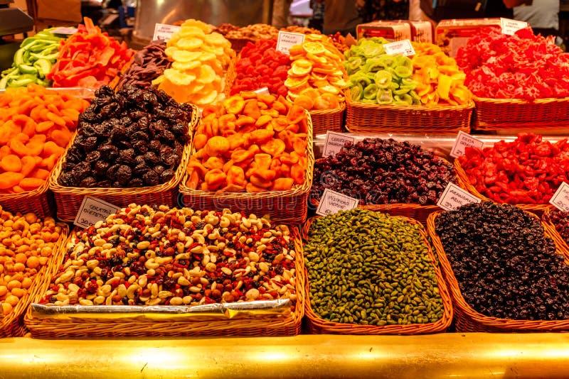 Детали на продаже на Mercado de Ла Boqueria стоковые изображения