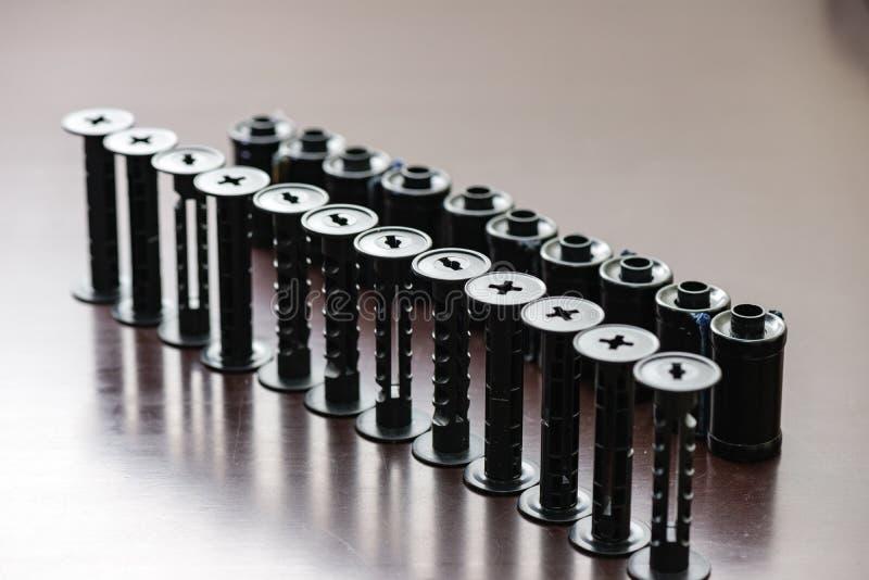 детали сетноого-аналогов оборудования лаборатории фильма на таблице стоковое фото rf