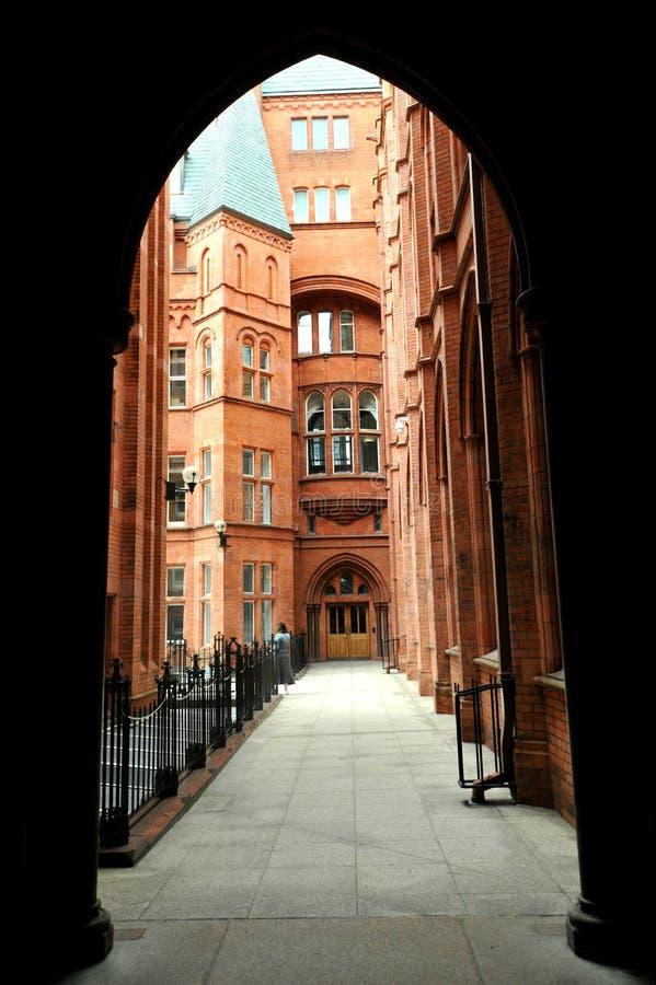 Деталь Адвокатур Holborn, или благоразумное обеспечение строя красное терракотовое викторианское здание стоковые фото