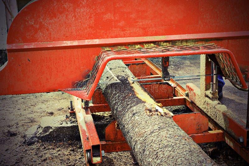 Деталь валить хобота на лесопильном заводе стоковые изображения rf