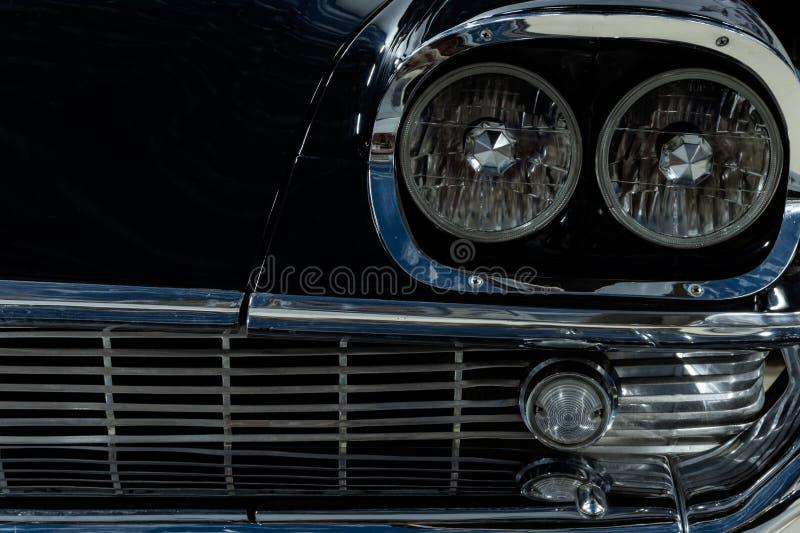 Деталь винтажного роскошного автомобиля стоковое фото rf