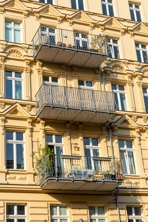 Деталь восстановленного старого жилищного строительства стоковое фото rf