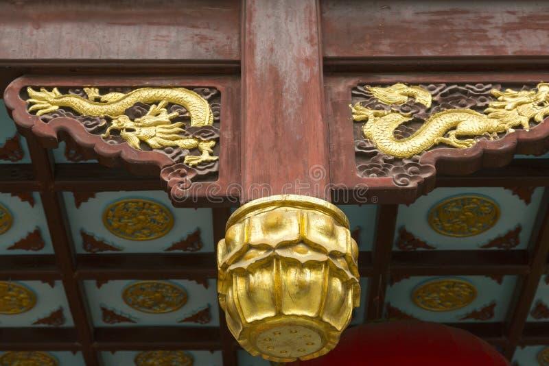 Деталь классической китайской крыши стоковое фото