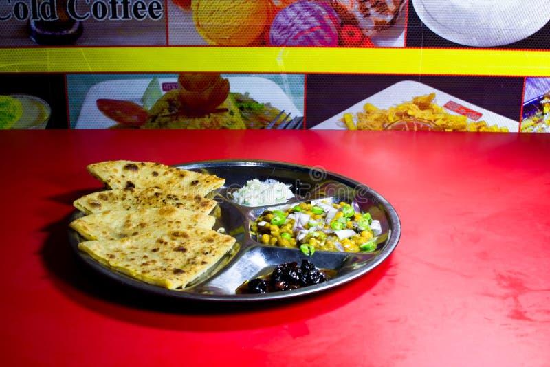 Деталь обедающего на таблице стоковые изображения rf