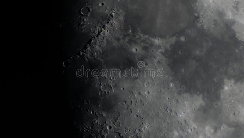 Деталь поверхности луны стоковая фотография