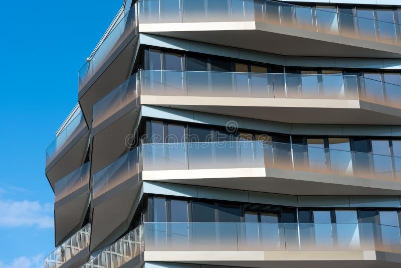 Деталь современного многоквартирного дома в Берлине стоковые фотографии rf