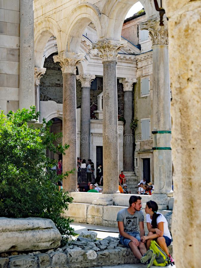 Деталь старой римской архитектуры, дворец ` s Diocletian, разделение, Хорватия стоковая фотография rf