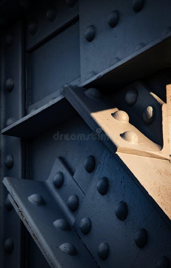 Деталь темного железного луча стоковые фотографии rf