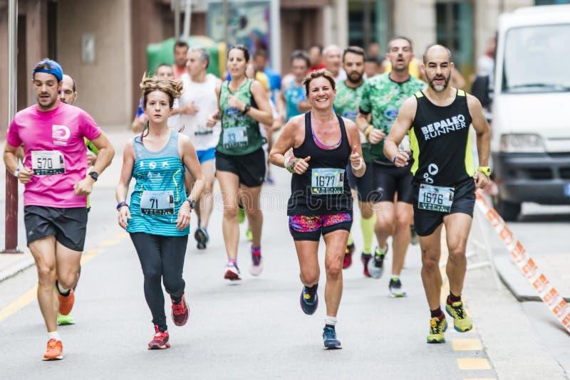 Деталь участников половинного города марафона Понтеведры стоковое изображение rf