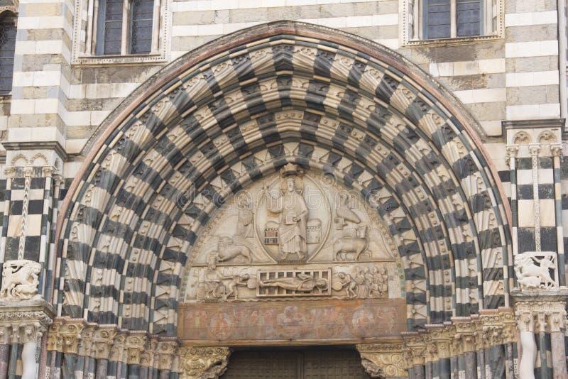 Деталь церков San Lorenzo в Генуе стоковые изображения rf