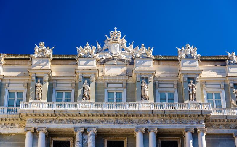 Детали дворца дожа в Генуе стоковые фотографии rf