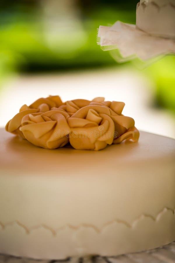 Детали свадебного пирога стоковое изображение rf