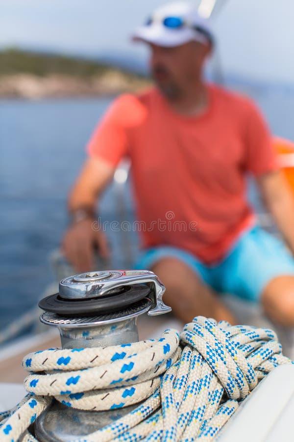 Детали яхты и веревочки на паруснике стоковое изображение rf