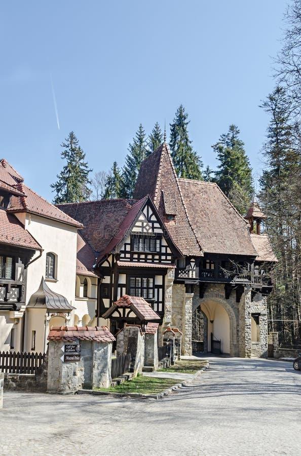 Деталь береговой территории замок Peles, иметь Regele Mihai (королем Майкл) Румынии, теперь работ как музей Sinaia Румыния стоковое изображение rf