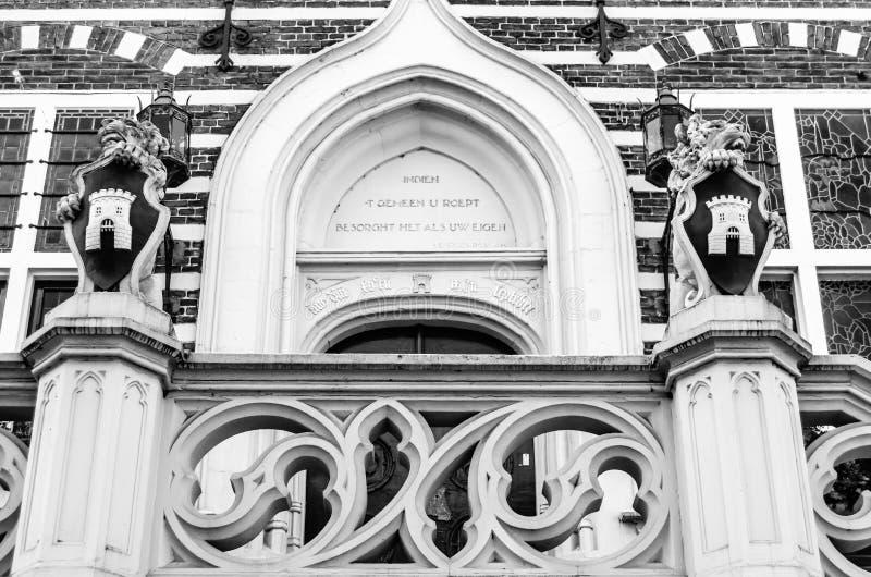 Деталь здание муниципалитета Алкмара архитектурноакустическая стоковые фотографии rf