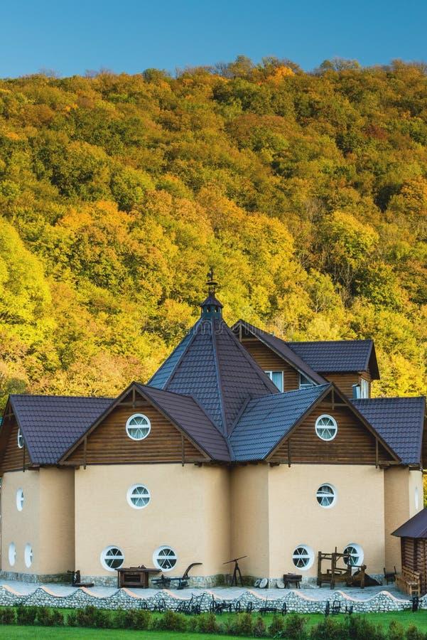 Деталь здания в традиционном стиле стоковые фотографии rf
