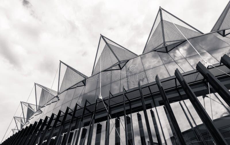Деталь здания университета Bata Tomas в Zlin (TBU) стоковые фото