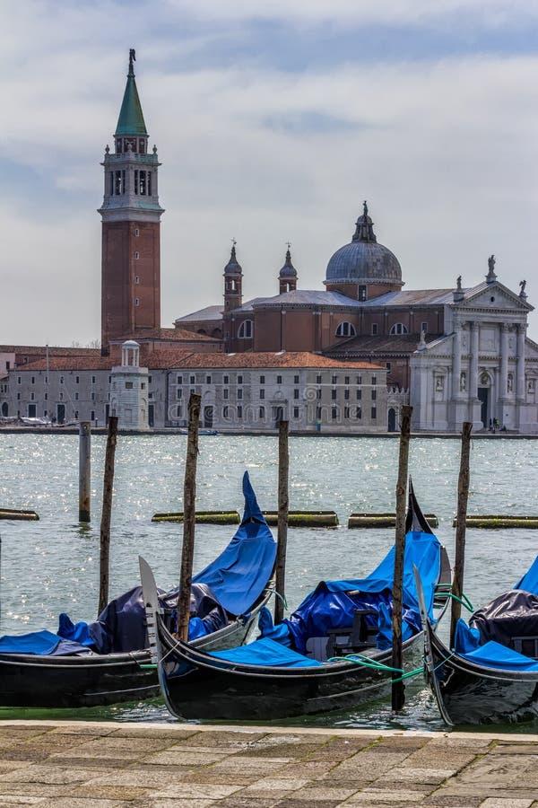 Download Деталь исторического здания в Венеции с гондолами в F Стоковое Фото - изображение насчитывающей международно, ведущего: 33728174