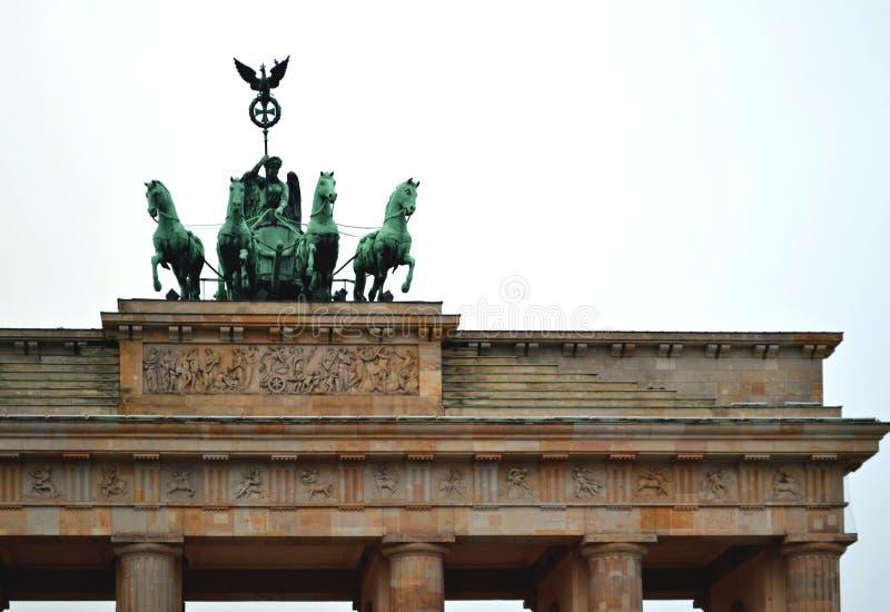Download Деталь памятника скалистой вершины Brandenburger - от Pariser Platz Стоковое Фото - изображение насчитывающей beriberi, история: 81804534