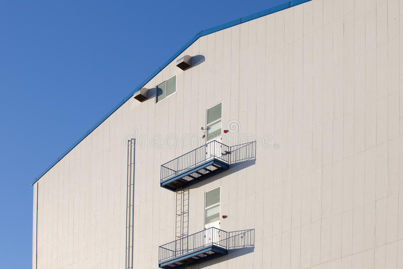 Деталь промышленного здания склада стоковая фотография rf