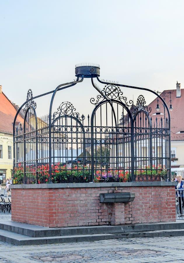 Деталь Сибиу, Румынии от конематки Piata расположила близко центр города города стоковое изображение