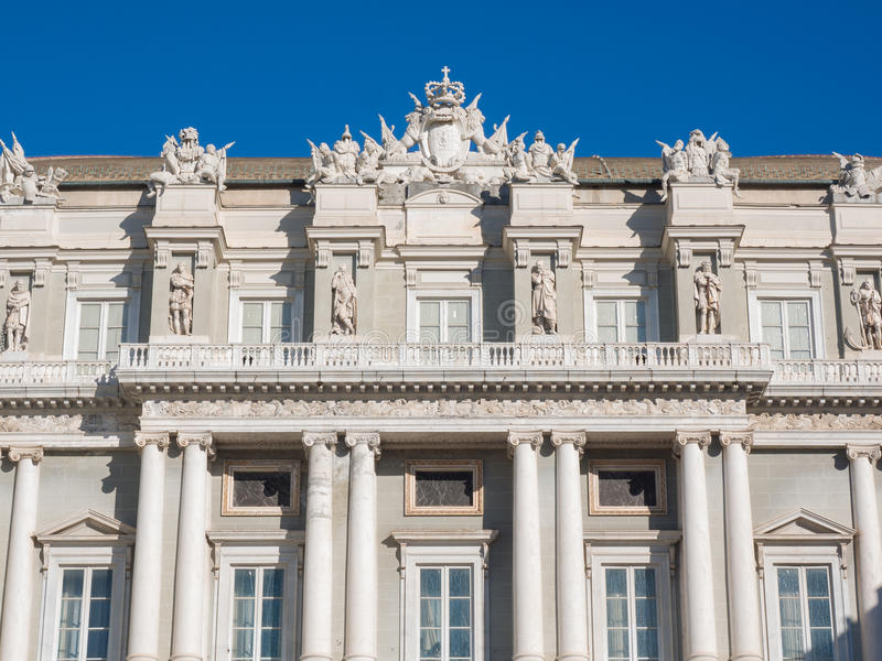 Деталь фасада дворца Генуи дожа (Palazzo Дукале) стоковое фото