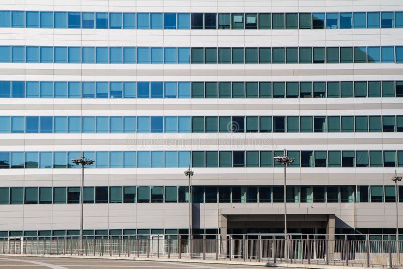 Деталь фасада современного здания стоковое фото