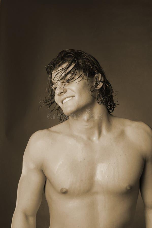 Download детеныши волос длинние мыжские Стоковое Изображение - изображение насчитывающей влажно, мысль: 1175533