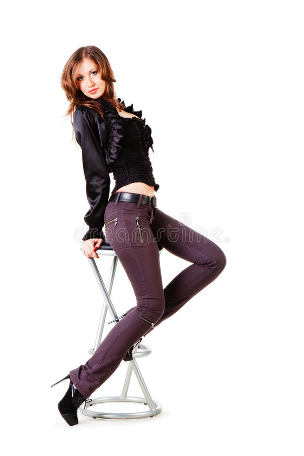 детеныши девушки красивейшего черного стула шикарные стоковая фотография rf